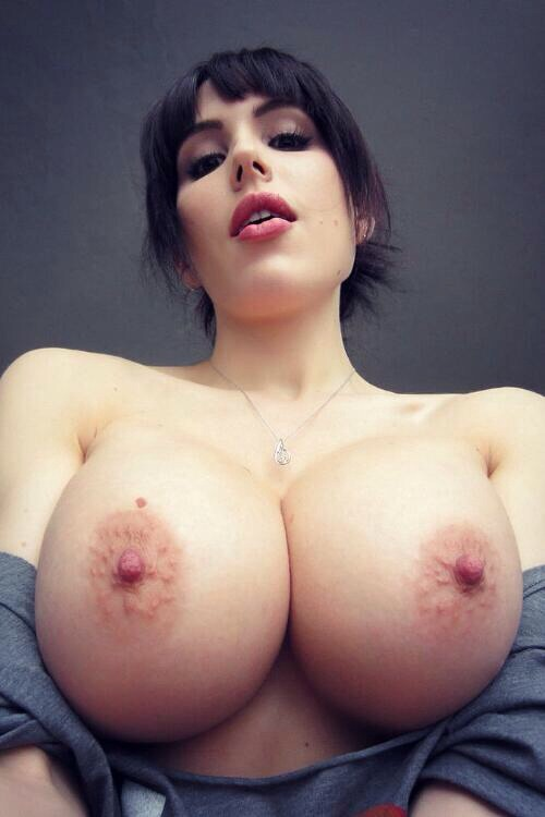 Simply perfect tits of Katie Banks | Busty Update