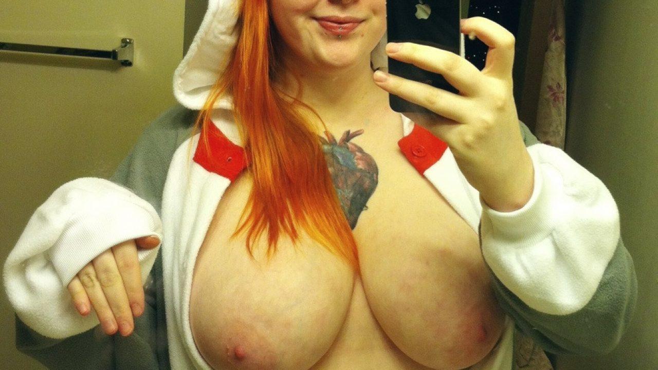 Amateur Chubby Redhead Cam